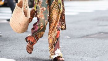 Pantalon fluide : comment porter cette pièce aussi stylée que confortable selon Pinterest