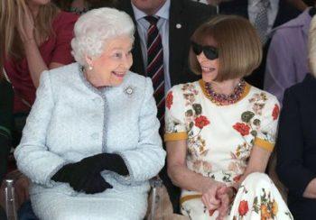 Le jour où Elisabeth II s'est invitée à la Fashion Week avec Anna Wintour