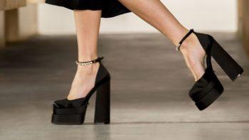 Sandales à talon à plateforme : comme adopter la tendance la plus casse-gueule de l'été