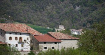 En Espagne, un charmant petit village est en vente pour le prix d'un appartement en région parisienne