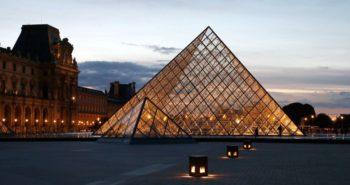 Au musée du Louvre, une tapisserienaziefait des remous