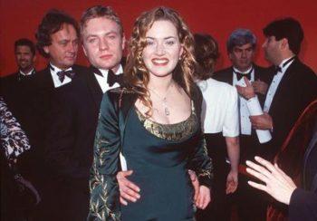 Histoire d'une tenue : Kate Winslet ne portera plus de robe comme celle des Oscars en 1998