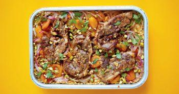 Food : La recette facile de l'agneau épicé à l'orge et aux abricots de Rukmini Iyer