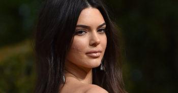 Vanités : Comment assumer ses problèmes de peau est devenue la nouvelle tendance beauté des stars