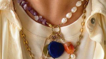 12 colliers bi-matières canons pour toutes les modeuses qui ne savent pas prendre de décision