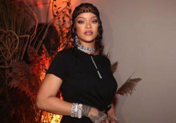 Rihanna nous montre comment porter la mini-jupe