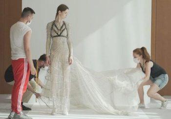 Voici pourquoi il ne faut pas rater « Une femme à la tête de Dior », le nouveau documentaire de Loïc Prigent