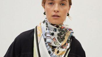Ces foulards carrés  aux imprimés chatoyant vont pimper nos looks printaniers