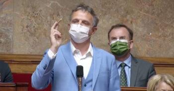 Pendant ce temps-là, un député sort un joint en plein débat à l'Assemblée nationale