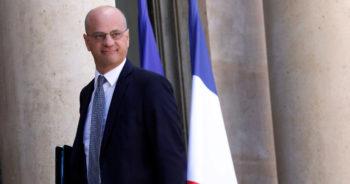 Jean-Michel Blanquer partage une chanson sur le maintien des écoles ouvertes et fait scandale