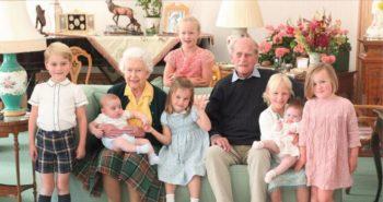 Deux nouvelles photos inédites de la reine, du prince Philip, et de leurs arrières-petits-enfants dévoilées